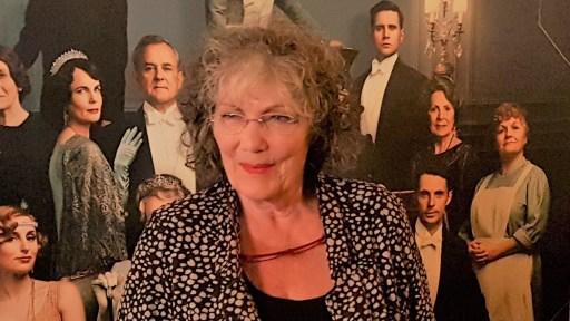 Willeke van Ammelrooij: ''Wanzinnig mooie film''. Samen met Samyra Hafsaoui en andere gasten genoot ze op 10 september van Downton Abbey.
