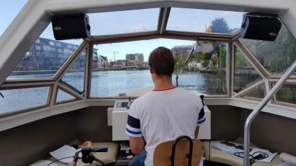De Porceleyne Fles ligt aan de Schie. Met Rondvaart Brands ontdek je Delft vanaf het water