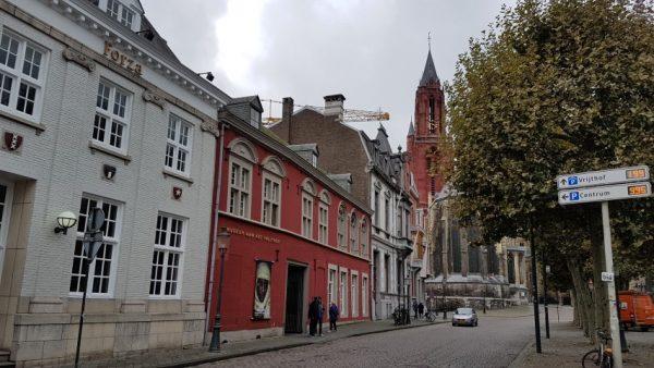 Fotografiemuseum Maastricht toont t/m 15 maart 2020 de expositie ''Homage to Humanity'' van Jimmy Nelson