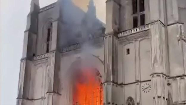 Kathedraal in Nantes, diaken Rob Mascini: ''Daarmee raken ze mens en in hun hart''