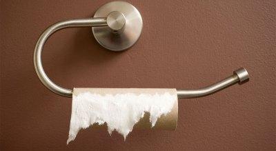 Malabarismos no banheiro, disso a gente entende - mulheres no boteco | Cumbuca