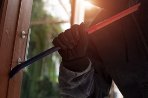 8 Ways to Protect Your Home from Buglaries