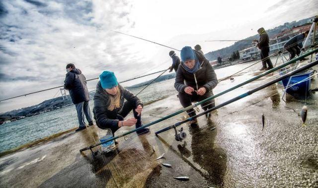 Beyaz yakalı kadınlar balıkçı oldu