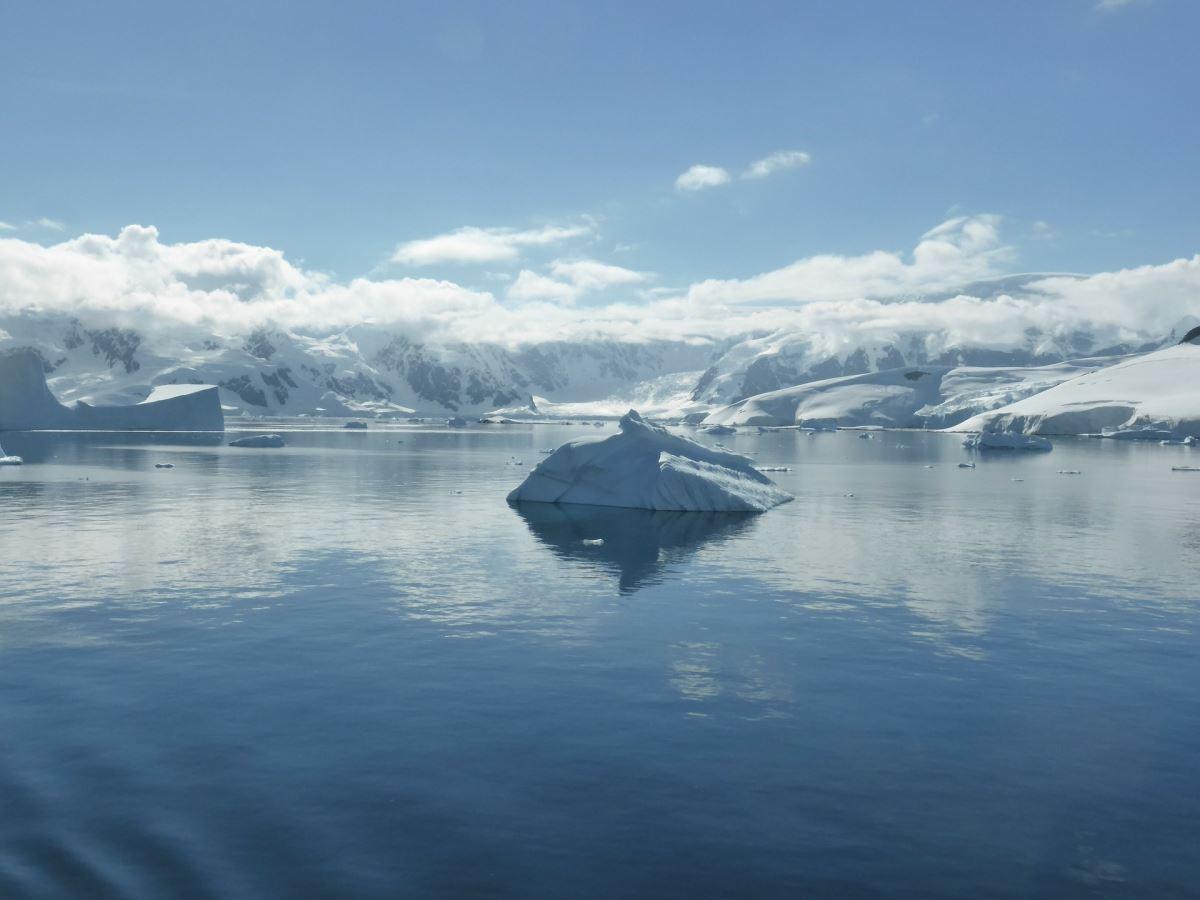 120238957 icebergs 3376091920
