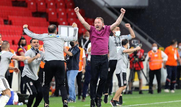 Sergen Yalçın, Beşiktaş'ın ve Süper Lig'in tarihine geçti