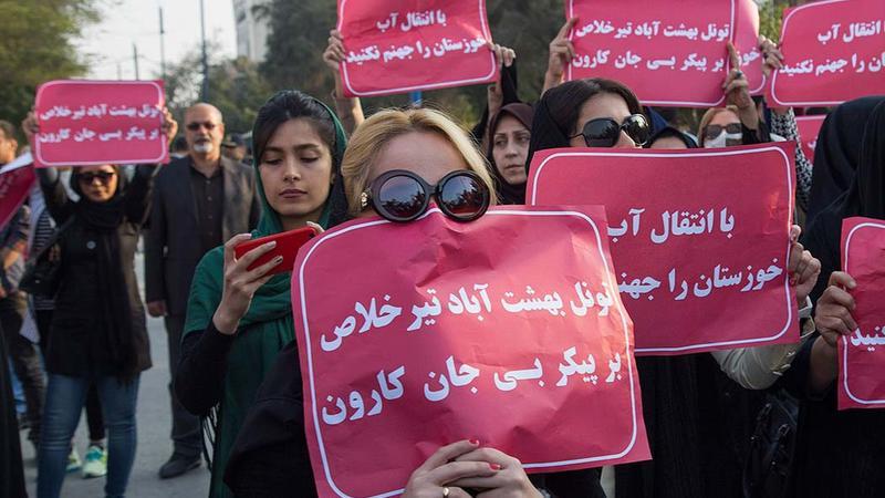 İran baharı başlandı: SEPAH qərargahı yandırıldı, onlarla yaralı var - HÖKUMƏT HƏYƏCANDA - FOTOLAR