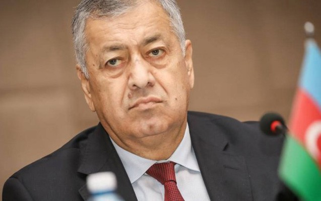 """YAP-ın qəzeti deputatı """"yıxdı-sürüdü"""" - """"Yarımçıq iqtisadçı..."""""""