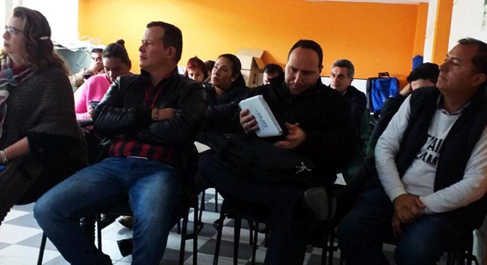 Participantes de la mesa publica del PAE