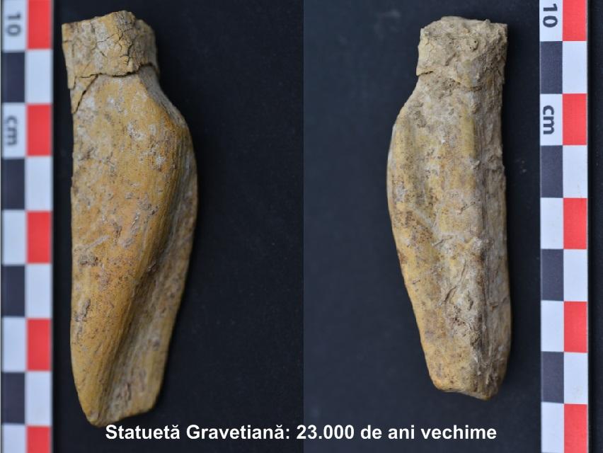 Statueta-gravetiana.jpg