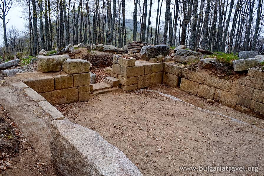 Kozi Gramadi (Bulgaria) - ruinele unei foste reședințe a regilor odrisi