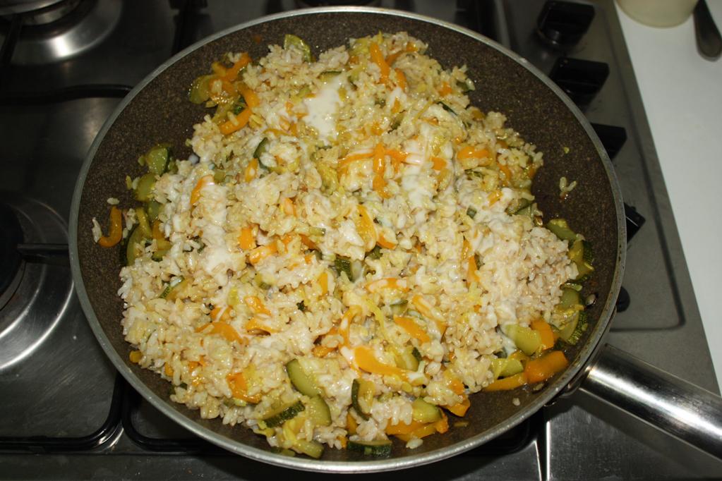Riso saltato con zucchine e peperoni  Cuore di rapa