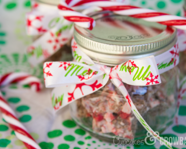 Easy Gift Idea - Chocolate Peppermint Crispy Treats | www.cupcakesandcrowbars.com @cupcakescrowbar