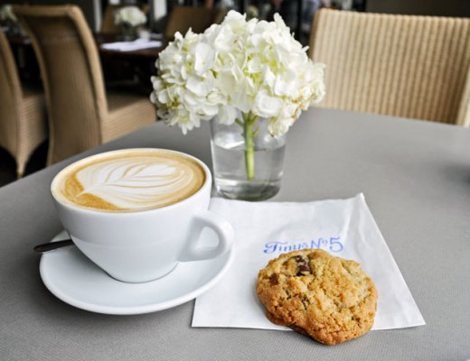 Tiny's No. 5 Best Chocolate Chip Cookies in Houston, Texas | www.cupcakesandthecosmos.com