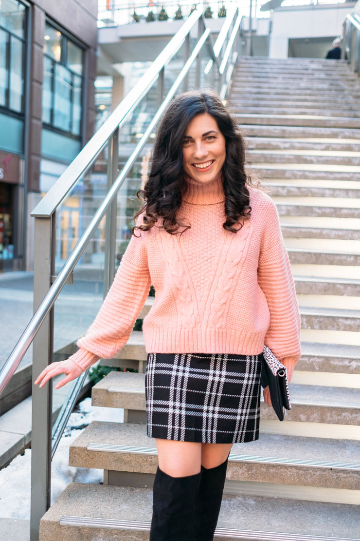Styling a Chunky Knit with a Plaid Skirt | www.cupcakesandthecosmos.com