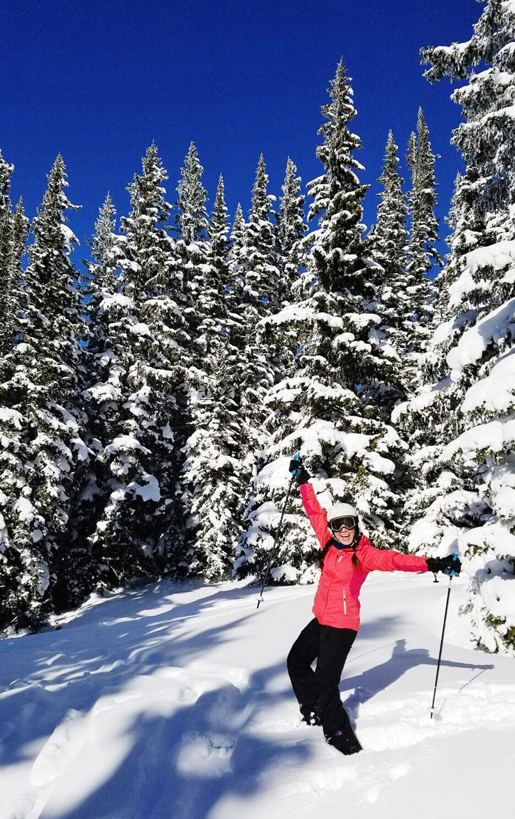 Fresh deep powder skiing in Vail Colorado | www.cupcakesandthecosmos.com