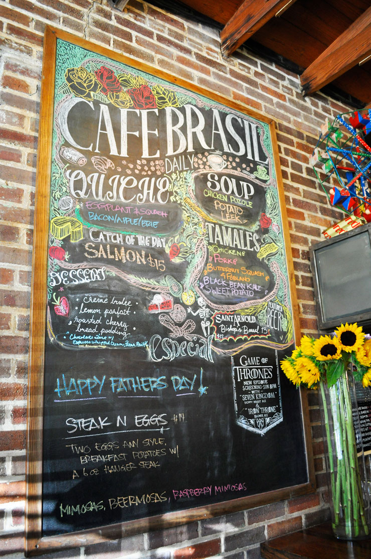 Breakfast at Cafe Brasil in Houston, Texas | www.cupcakesandthecosmos.com