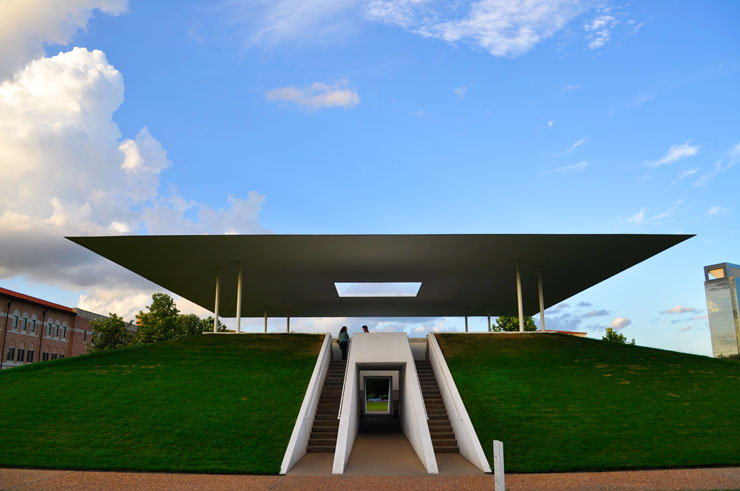James Turrell Skyspace at Rice University in Houston, Texas | www.cupakesandthecosmos.com