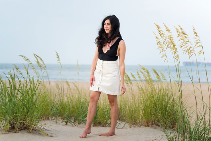 J. Crew Beach Day Outfit + What To Pack for a Day at the Beach | www.cupcakesandthecosmos.com