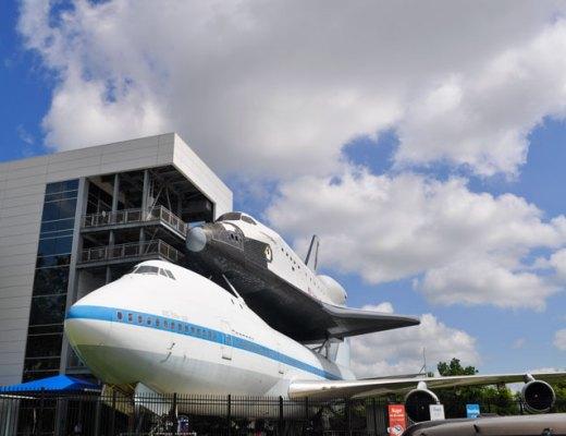 Space Center Houston | www.cupcakesandthecosmos.com