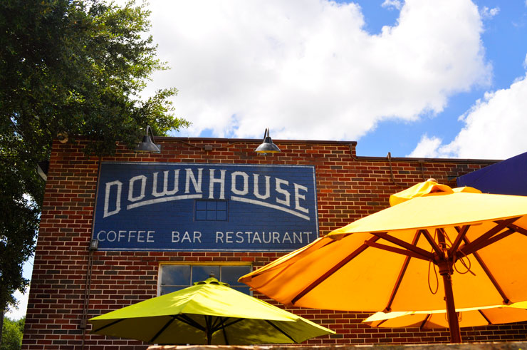 Downhouse for brunch in Houston, Texas | www.cupcakesandthecosmos.com