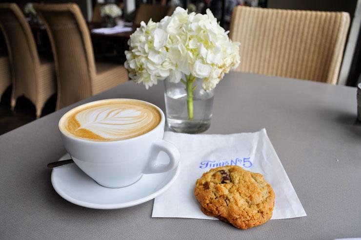 Tiny's No. 5 in Houston, Texas. Best cookies around! | www.cupcakesandthecosmos.com
