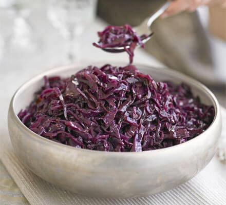 sticky-spiced-red-cabbage