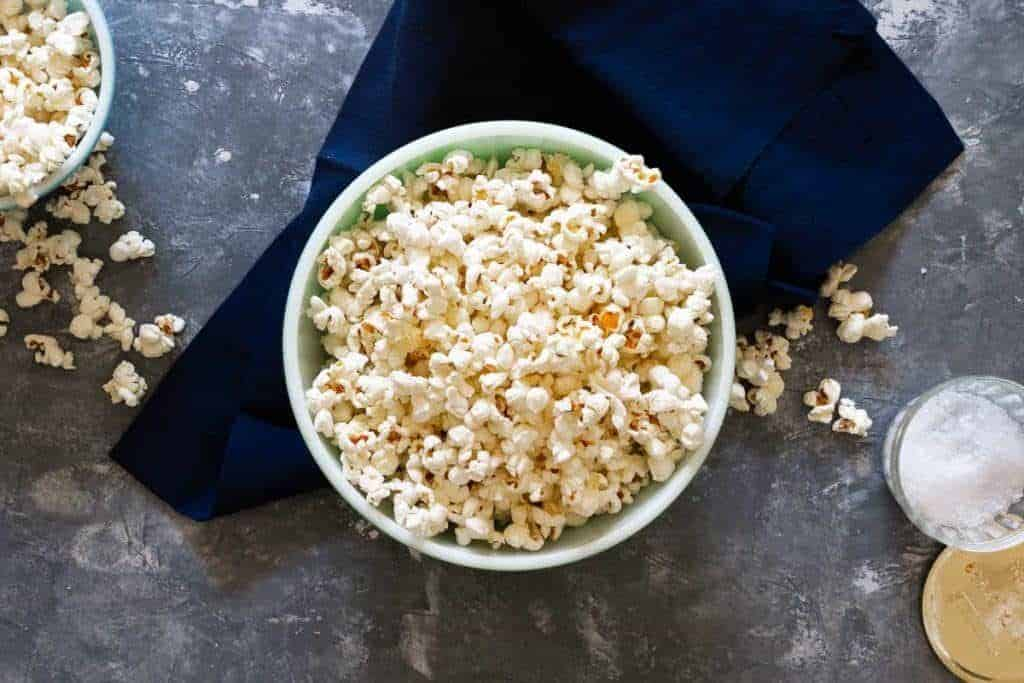 to pop popcorn on the stovetop easily