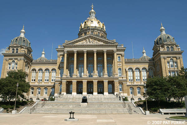Exterior view of the Iowa State Capitol Building. Photo courtesy of Pat Furrie. General image retouching by H.J.P.