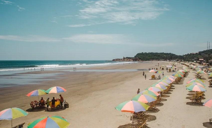montañita beach umbrellas