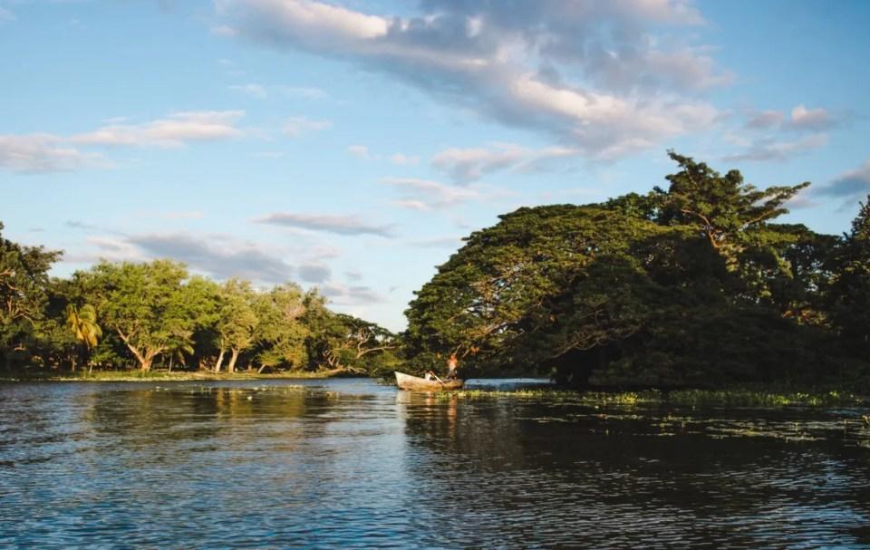 2 weeks in Nicaragua itinerary backpacking granada isletas