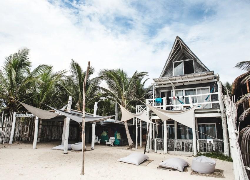 hotel photography: how travel bloggers make money
