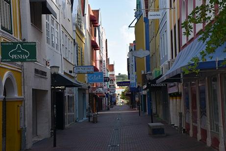 Curfew Curaçao to seven o'clock - Curaçao Chronicle