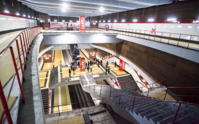 Quito recibe las primeras de 15 estaciones de su metro construido por Acciona
