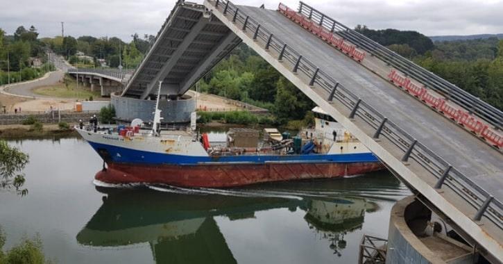 Nueva licitación para solucionar definitivamente el Puente Cau Cau se realizará en dos etapas
