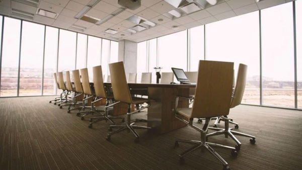Estudio revela la ralentizada demanda de oficinas en Santiago