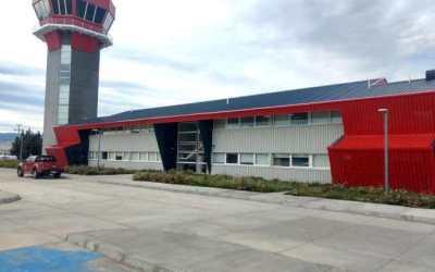 """Se firmó el acta de traspaso del actual Terminal Aéreo de Balmaceda a la empresa concesionaria """"Consorcio Austral Aeropuertos"""""""