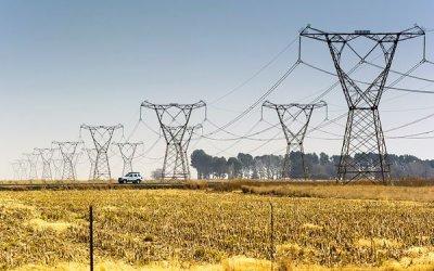 Quiénes son los titanes de la energía que se disputan la megalínea eléctrica que unirá Antofagasta y Santiago