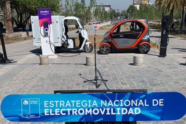 Gobierno fija meta de que al 2035 sólo se vendan autos eléctricos en Chile