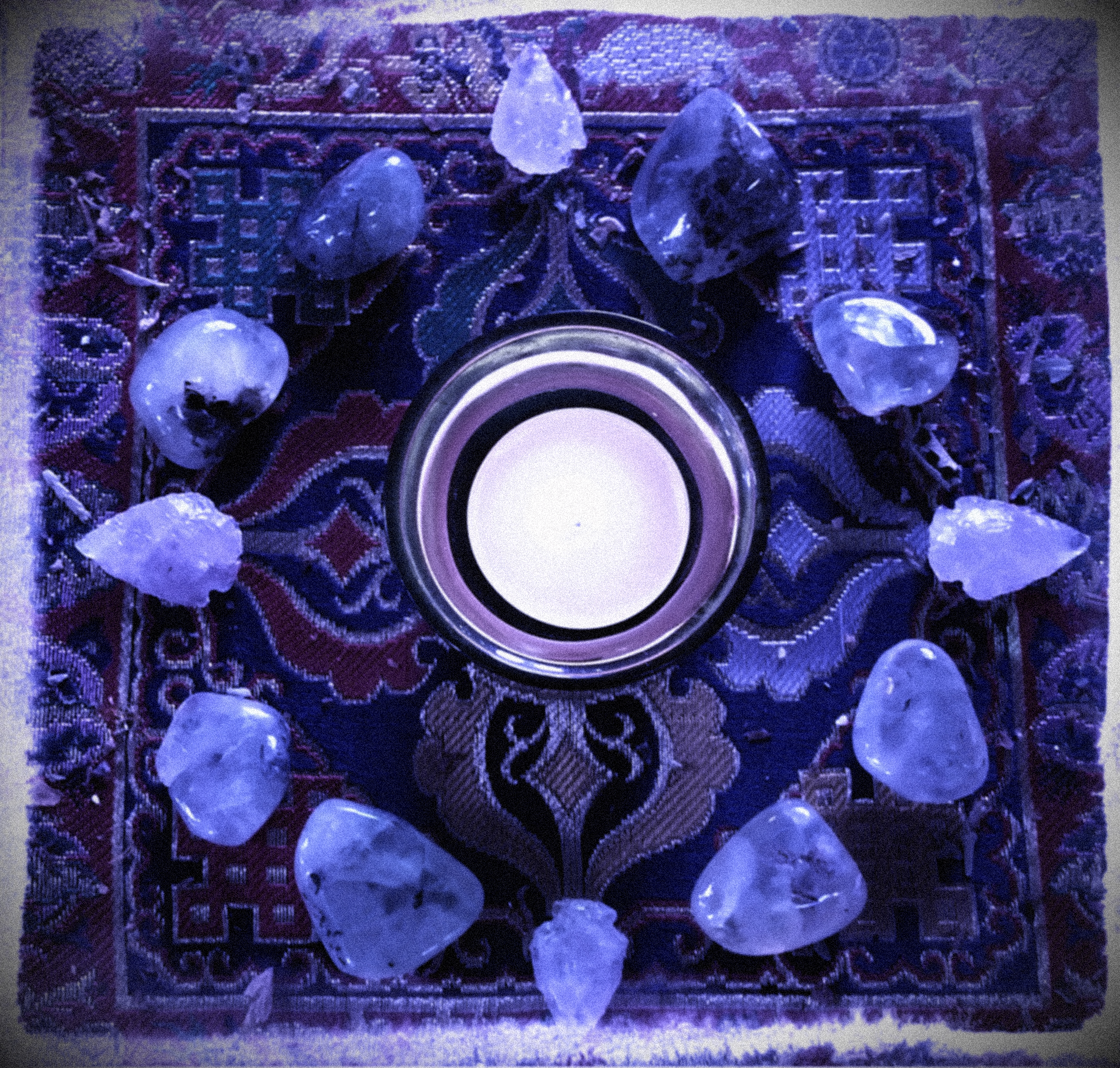 How to set up an altar