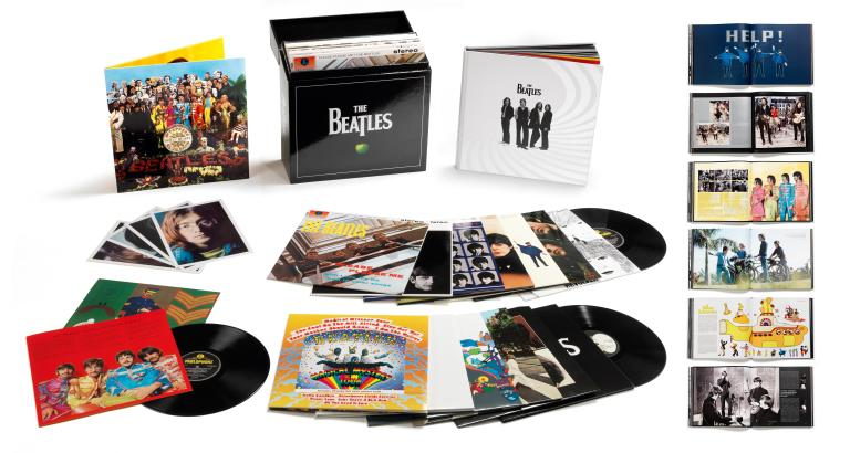 The_Beatles_-_vinyl_stereo_box_set_-_open_box_shot_with_book_pages