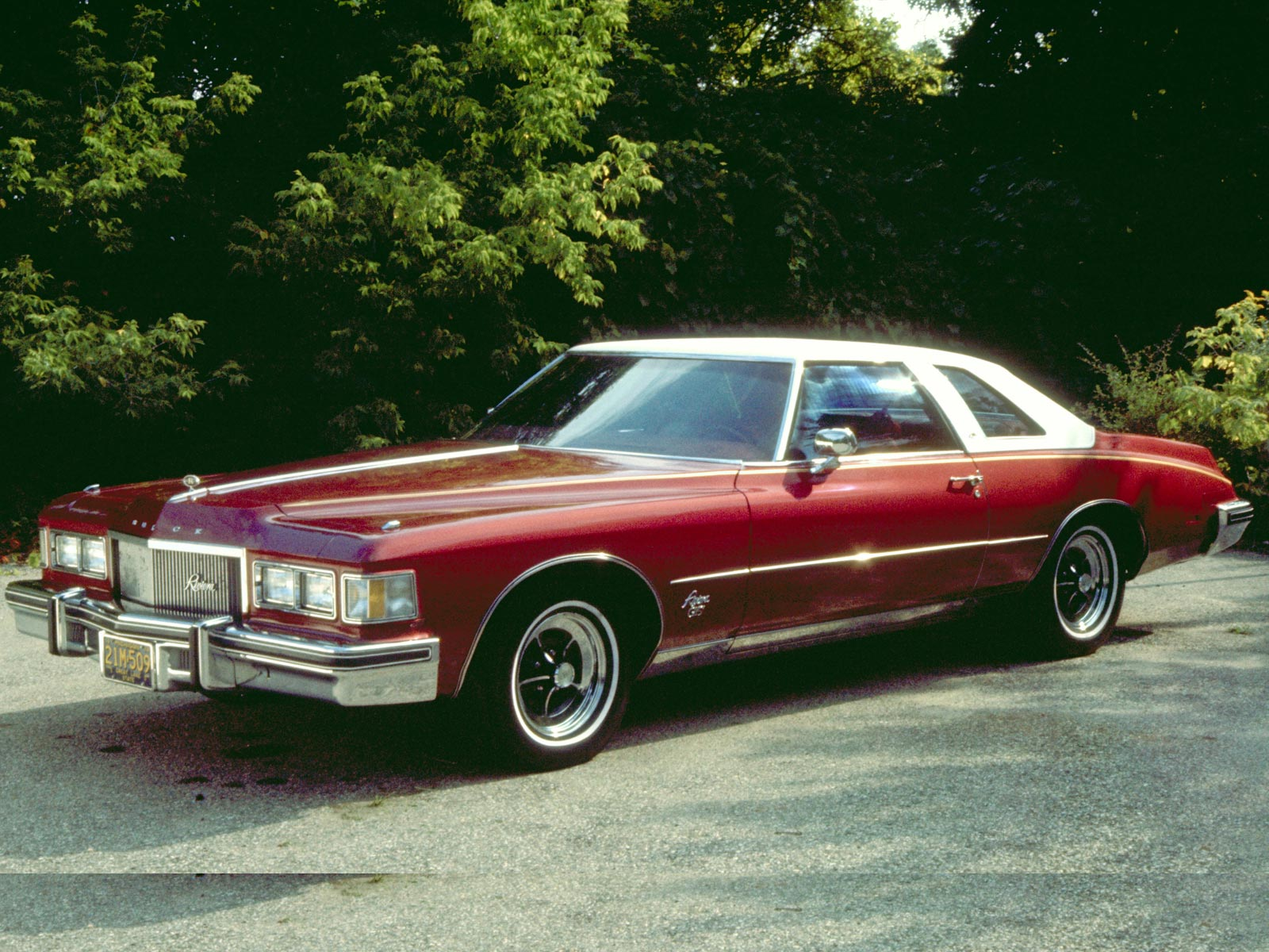 curbside classic 1977 78 buick riviera a short life in. Black Bedroom Furniture Sets. Home Design Ideas