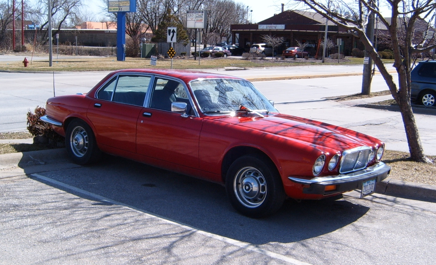 curbside classic 1979 jaguar xj6 series iii pininfarina redux. Black Bedroom Furniture Sets. Home Design Ideas
