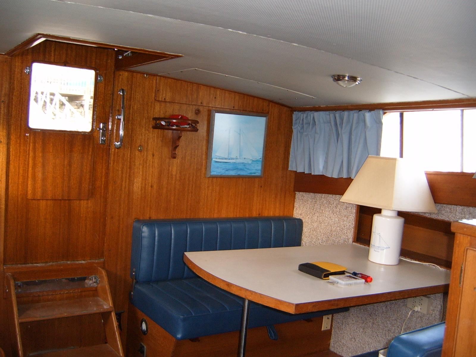 Dockside Classic: 1968 Chris Craft 35′ Commander – Dream