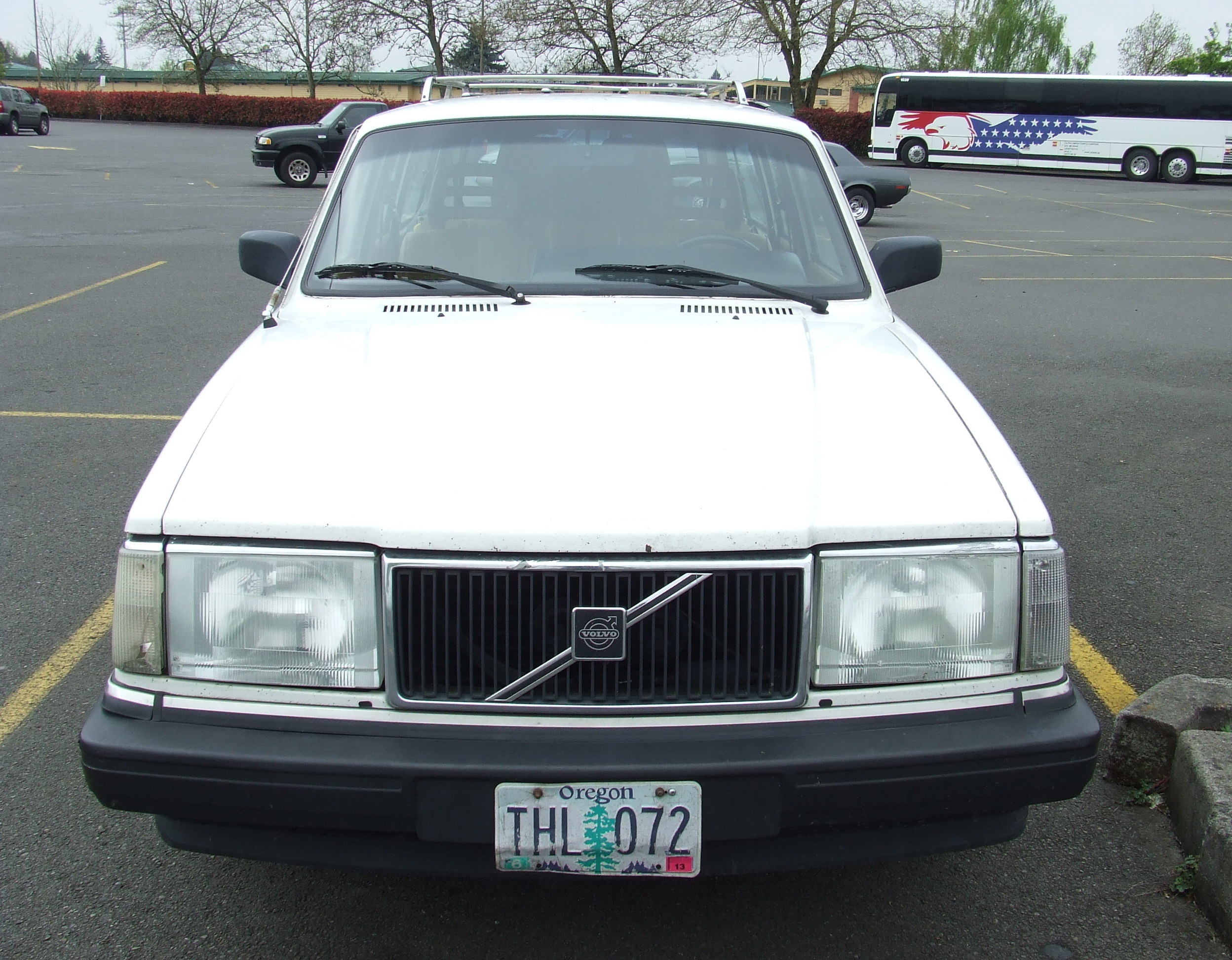 trucks oregon auction volvo and for public in portland repair up ready lined pin
