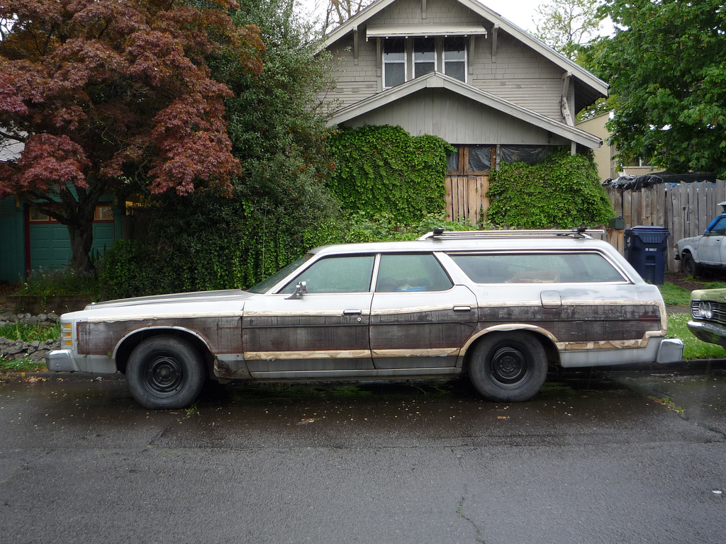 Curbside Classic: 1975 Ford Country Squire – The Car That Made Di ...