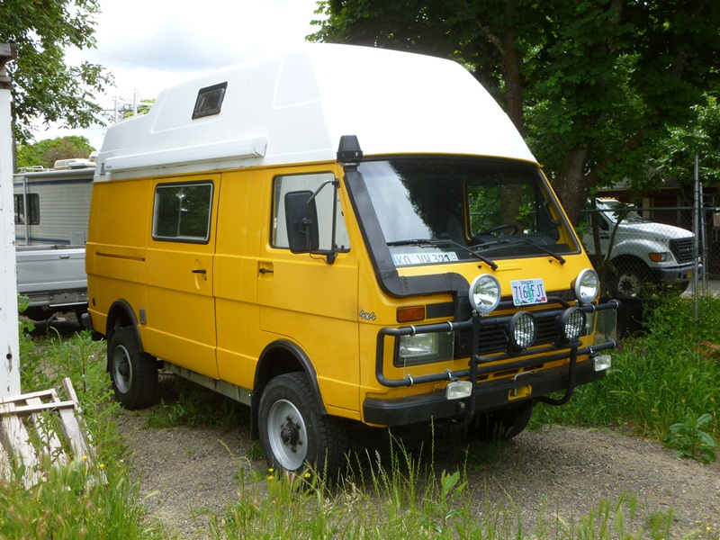 Curbside classic 1990 vw lt 4 4 westfalia camper the for Classic house 1990