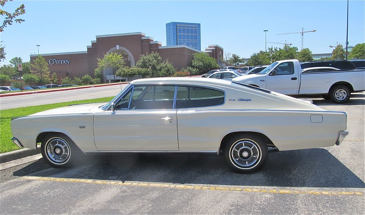 Curbside Classic: 1967 Dodge Charger – Chrysler\'s Marlin
