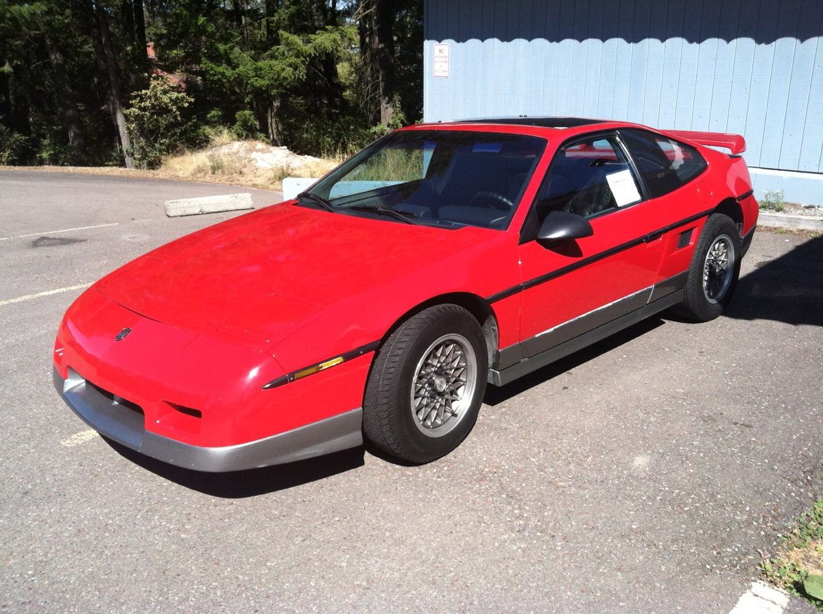 curbside capsule 1986 pontiac fiero gt so very nearly inspired. Black Bedroom Furniture Sets. Home Design Ideas