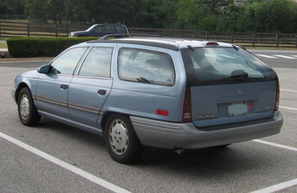 2nd-Ford-Taurus-GL-wagon-rear