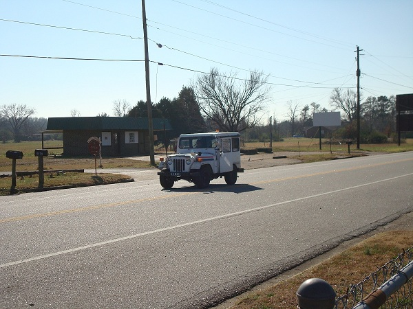 Curbside Classic: 1982 Jeep DJ-5 Dispatcher–Still Delivering